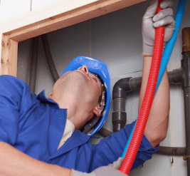 a Leesburg plumber is replacing the old pipes with new PEX ones